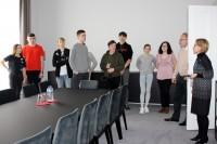 ĪLNP jaunieši viesojas Latvijas vēstniecībā