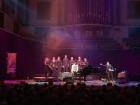 Pasaulslavenā džeza pianista Tigrana Hamasjana koncerta mūziķu vidū - arī divi latvieši