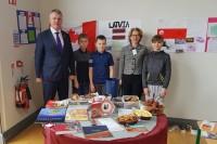 Kultūras dienā Viklovā skolēni iepazīstina ar Latviju