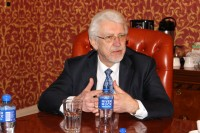 Deputātu grupu sadarbības veicināšanai ar Īrijas parlamentu vada O.Ē. Kalniņš