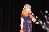 Elizabete Foigta-Krūmiņa iedziedās Diasporas bērnu himnu