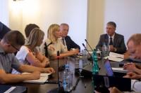 Saeimas komisija tiekas ar ELA pārstāvjiem