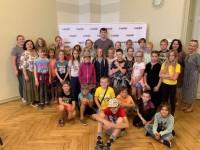 Grobiņā sākusies diasporas un Latvijas bērnu kopīga nometne