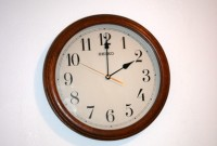 27. oktobrī jāpagriež pulksteņa rādītāji