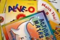Valsts piešķir papildus finansējumu bezmaksas mācību grāmatu nodrošināšanai sākumskolās