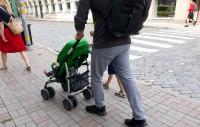 Samazinoties aizbraucēju skaitam, bērnu skaits Latvijā nedaudz pieaug