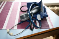 Diasporas mediķiem atvieglo prasības, lai turpinātu profesionālo darbību Latvijā