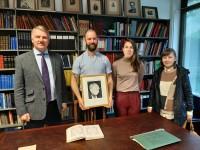 Latvijas vēstnieks viesojas Īrijas nacionālajā folkloras krātuvē