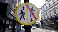 No otrdienas pusnakts visā Īrijā tiek noteikts trešais ierobežojumu līmenis