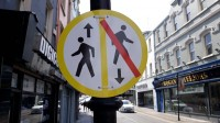 Koronavīrusa izplatība Īrijā mazinās, speciālistu attieksme piesardzīga