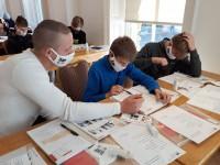 Aicina pieteikt vidusskolēnus bezmaksas latviešu valodas nometnei