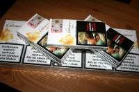 Revenue darbinieki konfiscē cigaretes