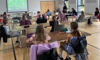 Ziemeļīrijas skoliņa atsāk darbu klātienē un aicina pieteikt bērnus