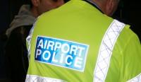 Dublinas lidostā aiztur latviešus - cigarešu kontrabandistus